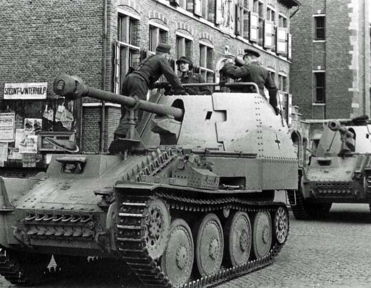 New Marder III assault guns in the Netherlands