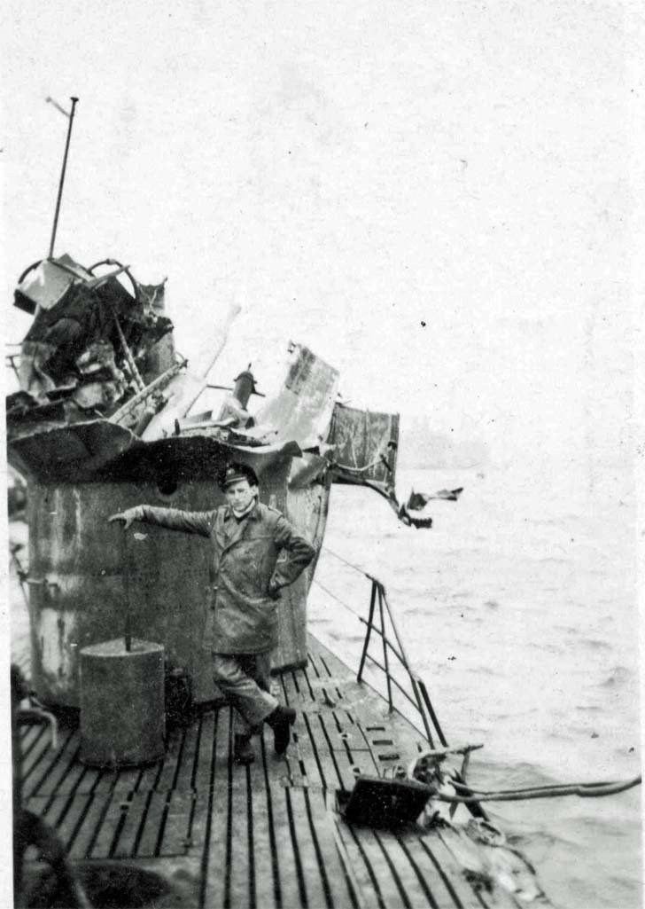 Damages of the German U-290 submarine