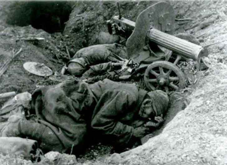 Fatalities Soviet machine gunners