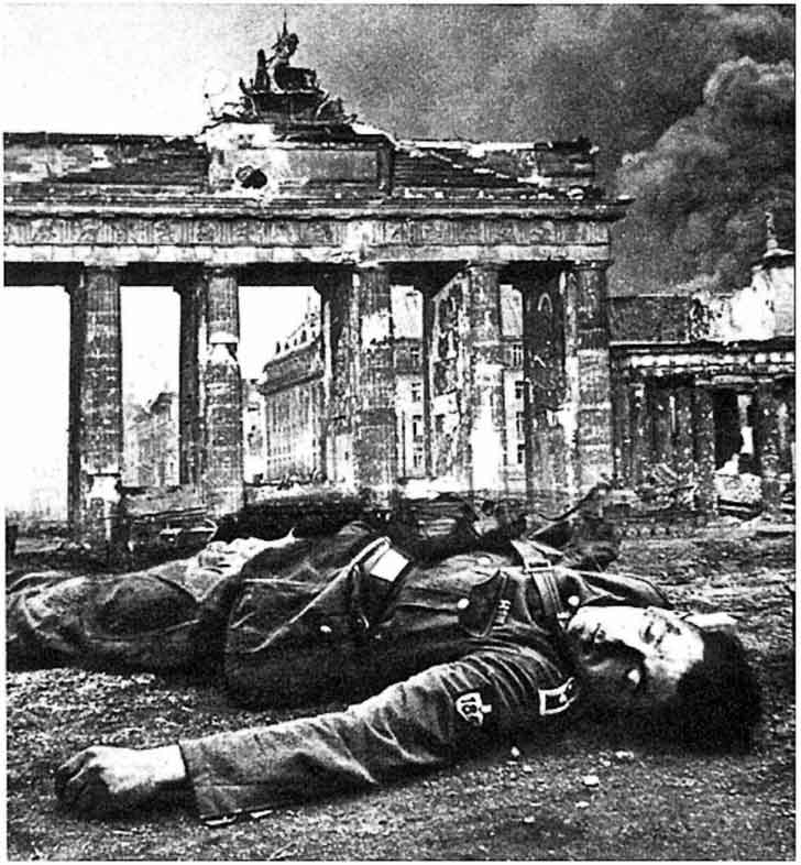 Killed a German soldier on a background of the Brandenburg Gate
