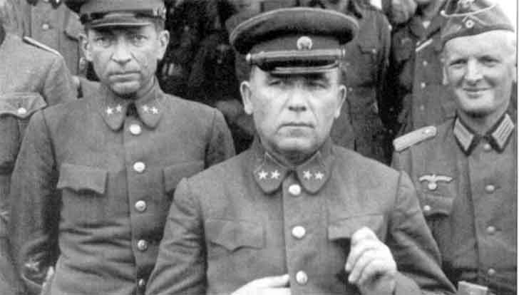 Captured Soviet generals P.G. Ponedelin and N.K. Kirillov