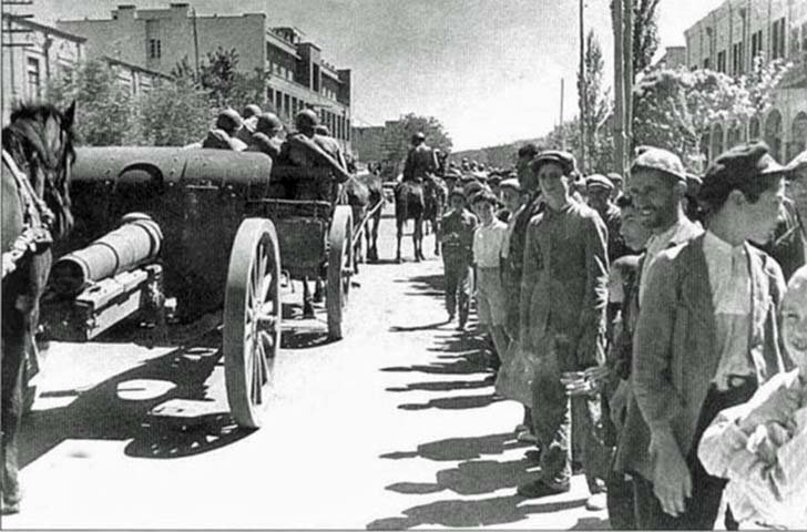 Red Army in the Iranian city of Tabriz
