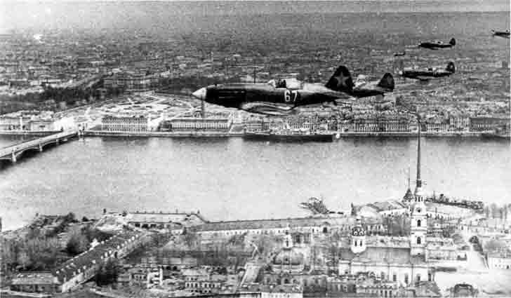 MiG-3 fighter planes over Peter and Paul Fortress in Leningrad