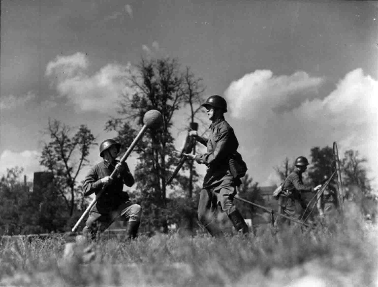 World War 2: the bayonet attack
