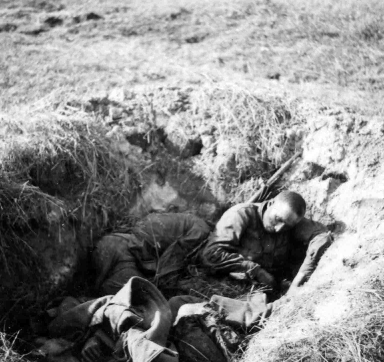 The dead infantrymen