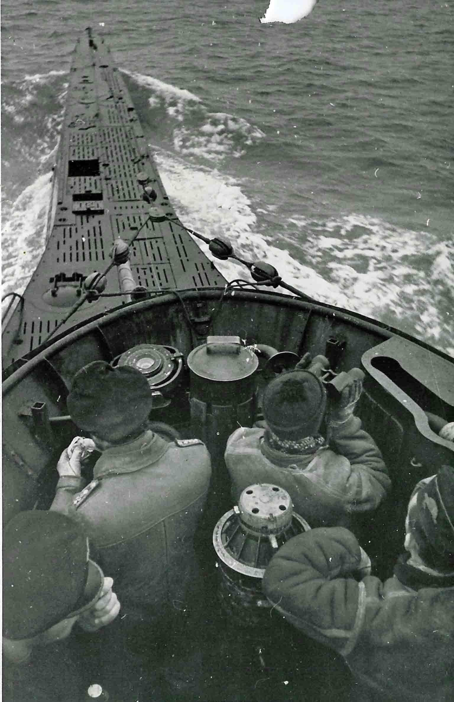 submarine U-33