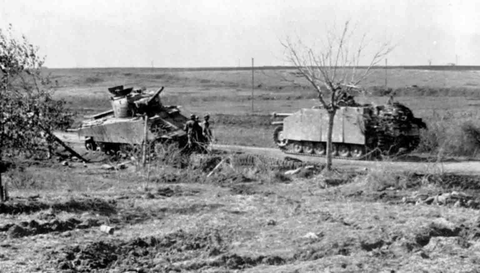 StuG III Ausf.G, M4 Sherman