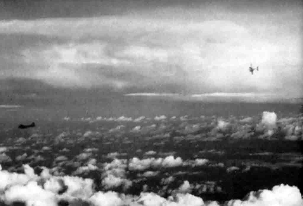 Me-110, B-17