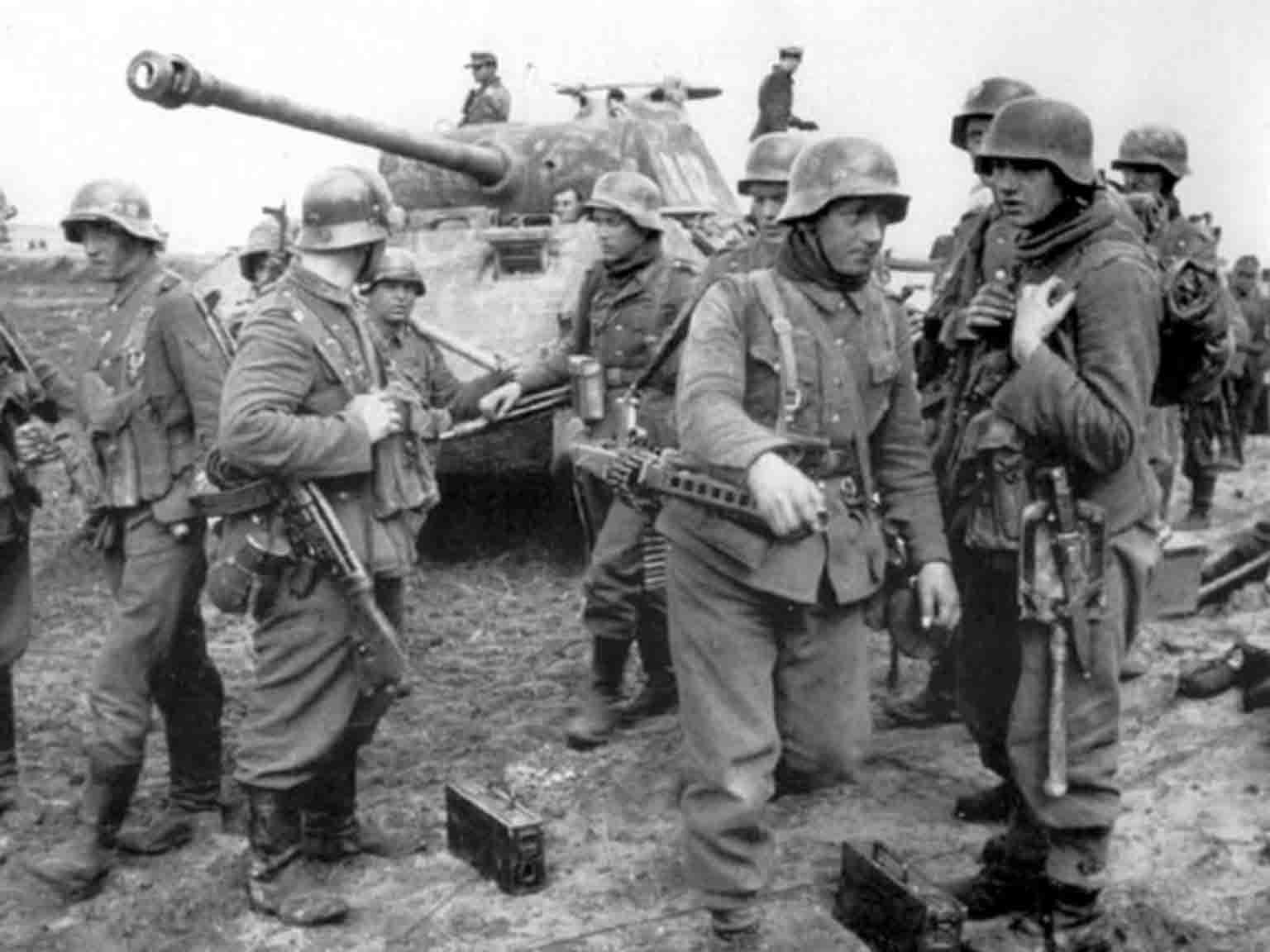 Panzergrenadiers of SS division Wiking in the battle for Kovel