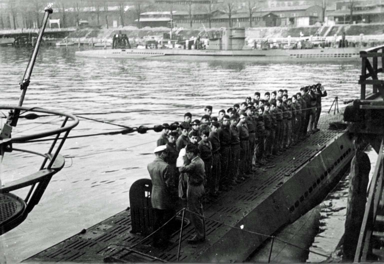 submarine U-408