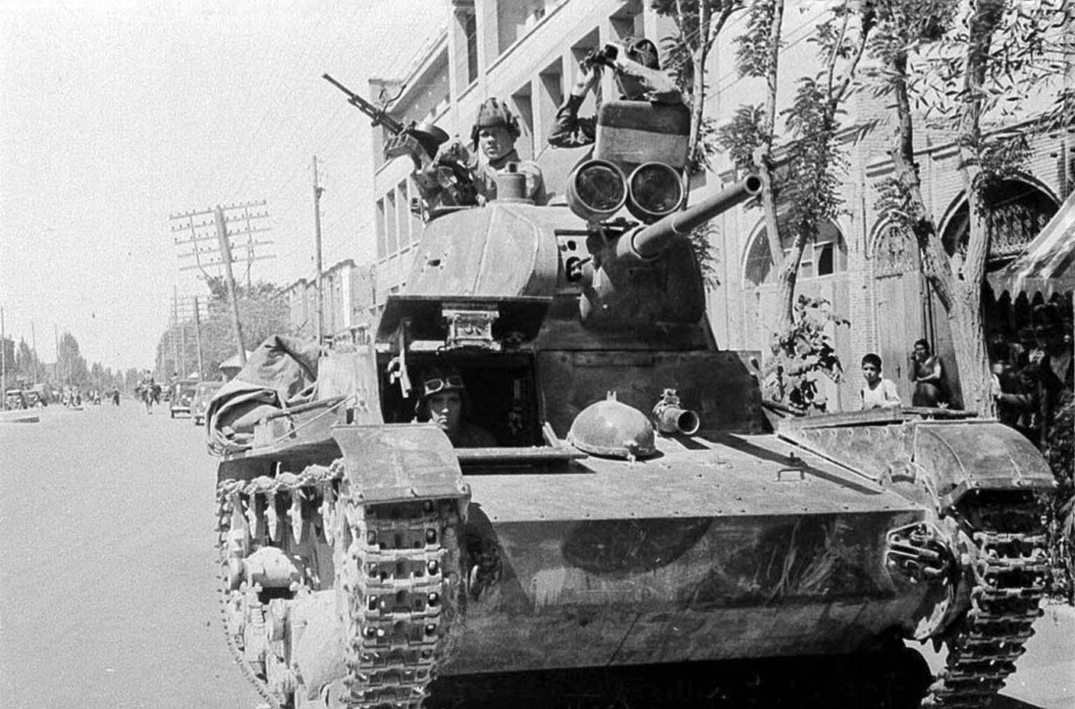 Resultado de imagen de soviet invasion iran