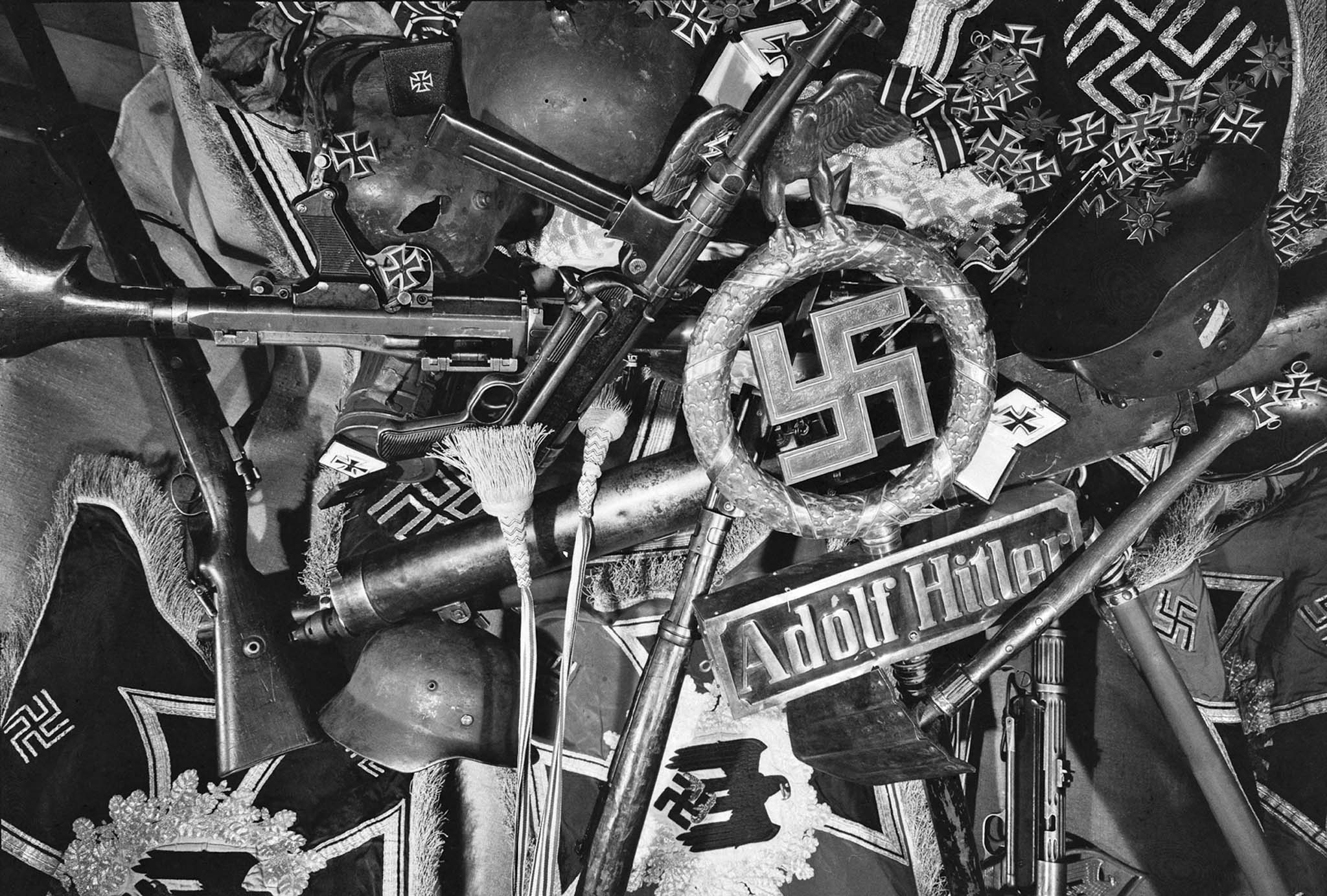 German weapons, Wehrmacht banners