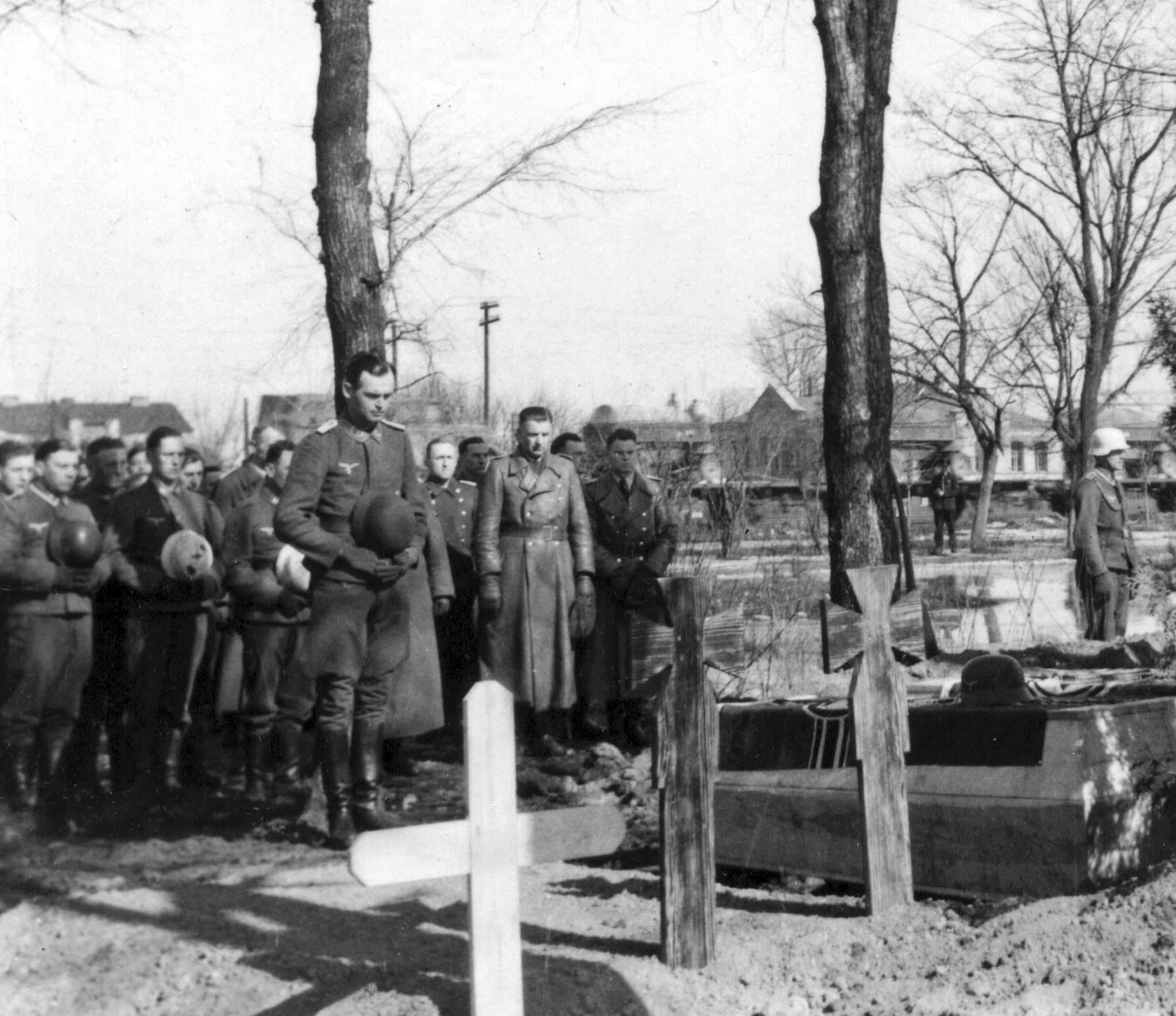 Luftwaffe soldiers
