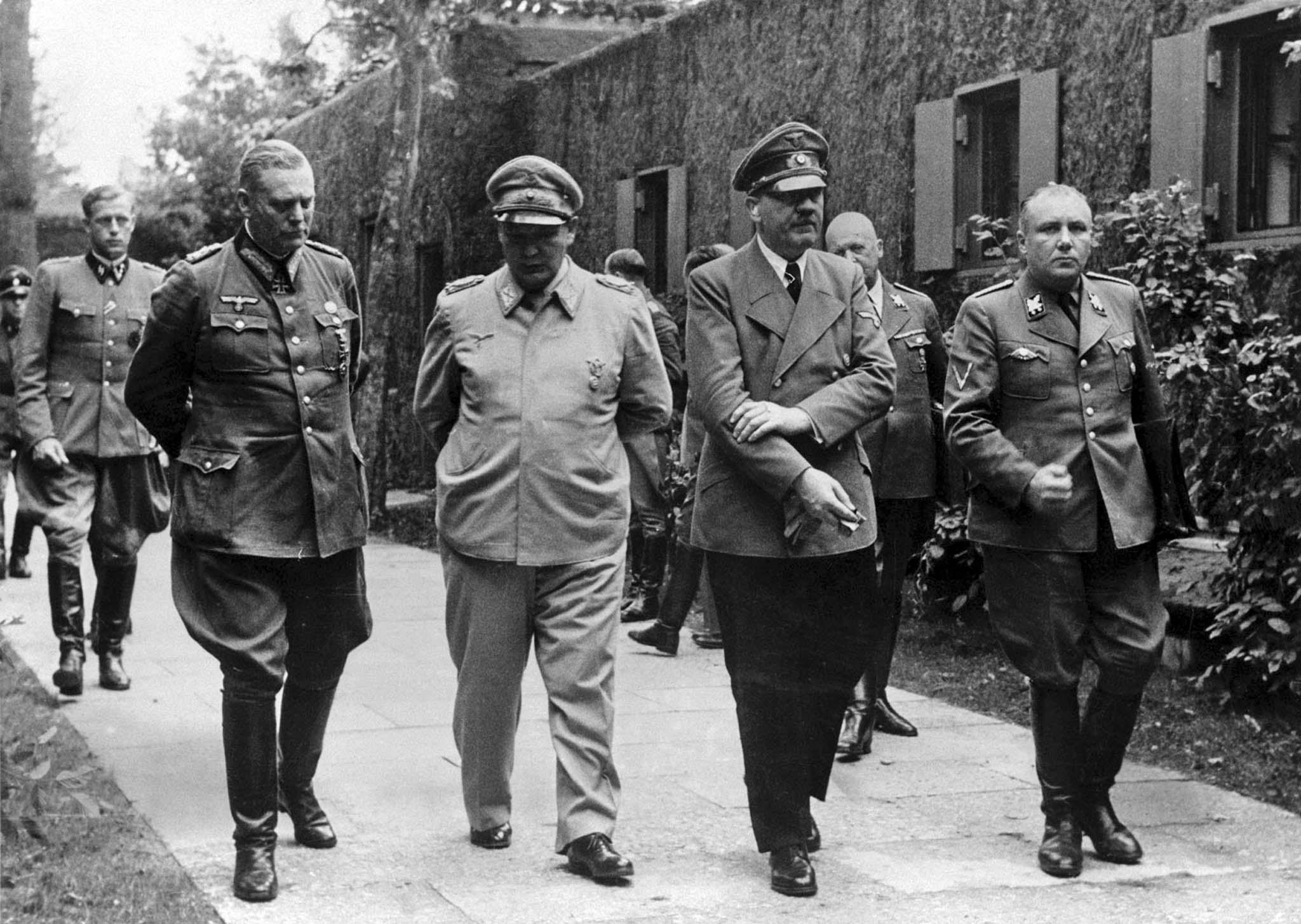 Adolf Hitler, Wilhelm Keitel, Hermann Goering,  Martin Borman