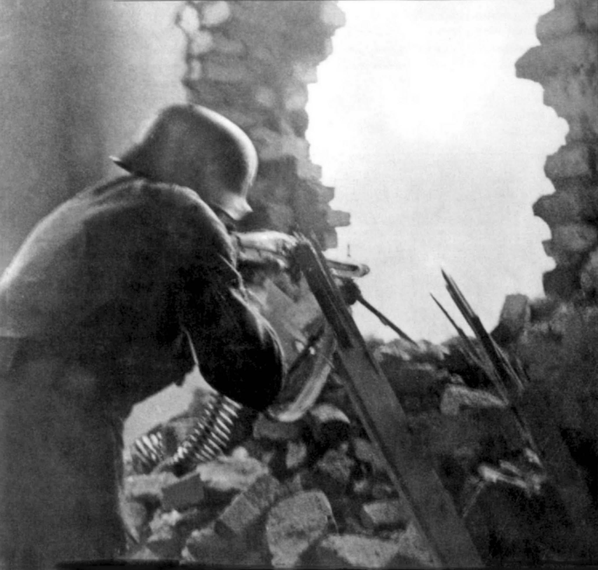 MG.42-gunner