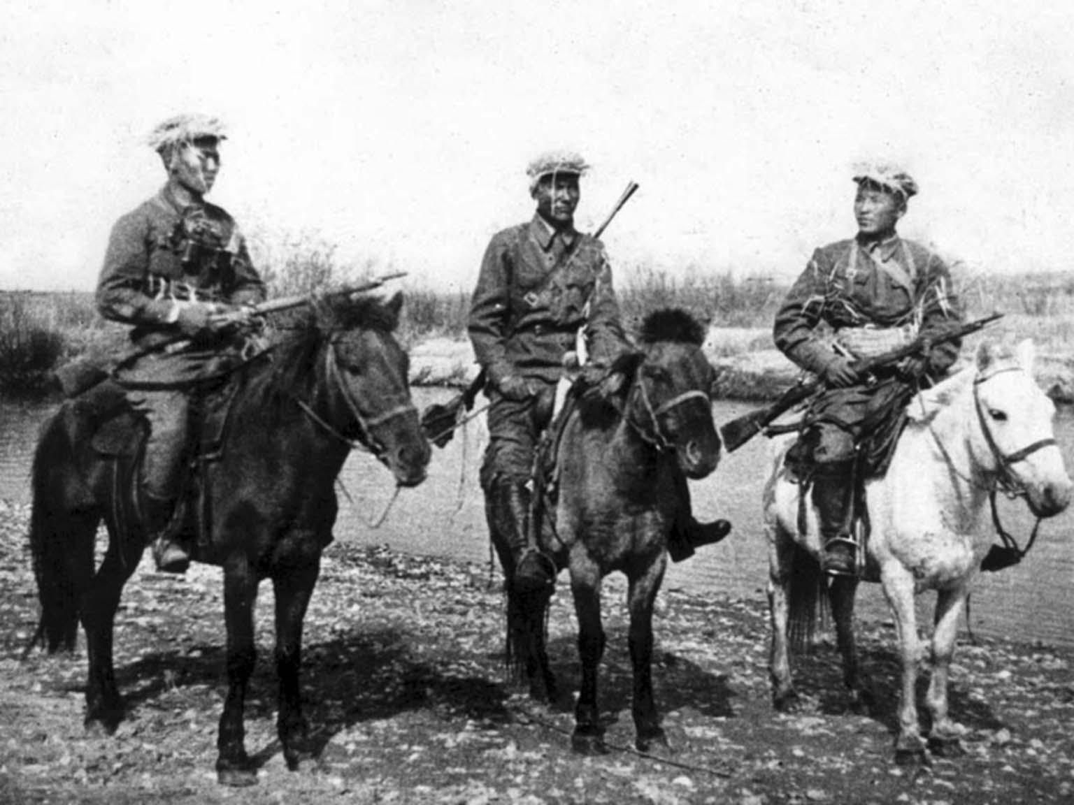 Mongolian cavalrymen