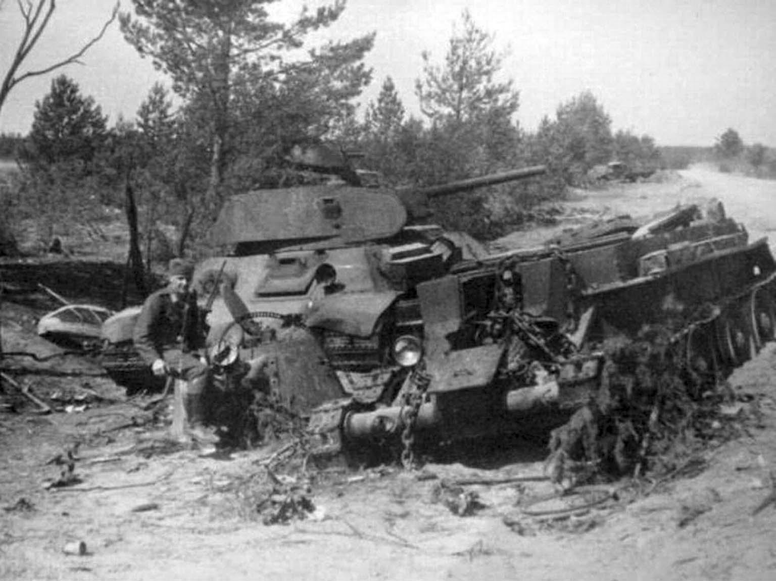 German soldier, T-34, BT-7