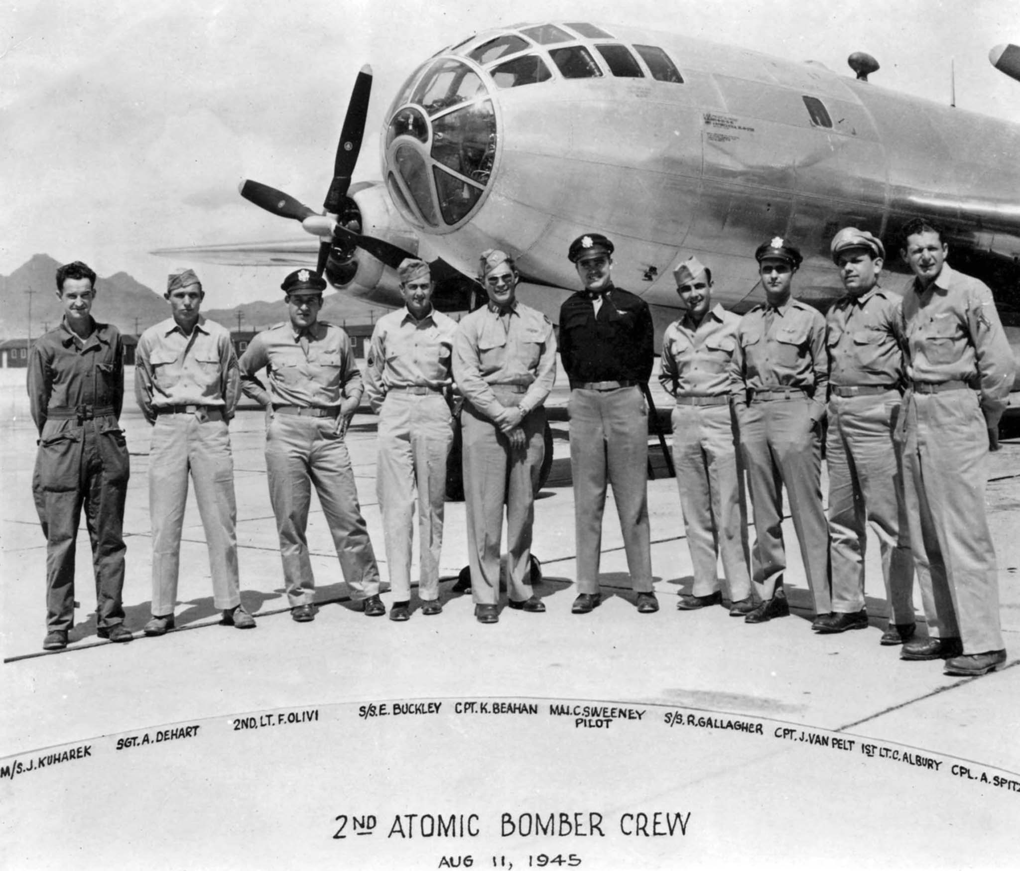 crew B-29 bomber