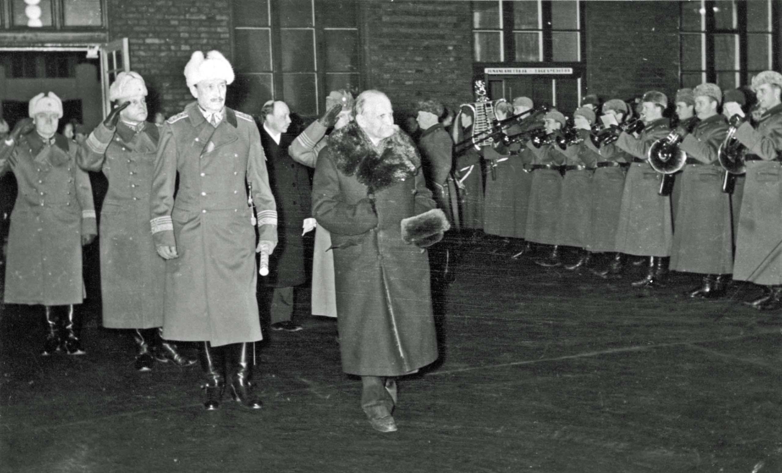 Kyusti Kallio, Carl Mannerheim