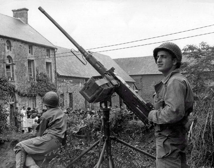 machine gun M2HB