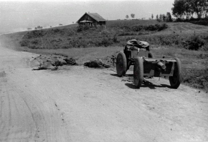 Destroyed artillery cart