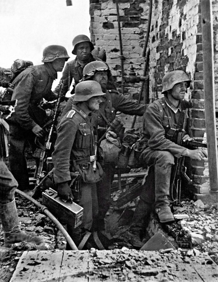 MG.34 team