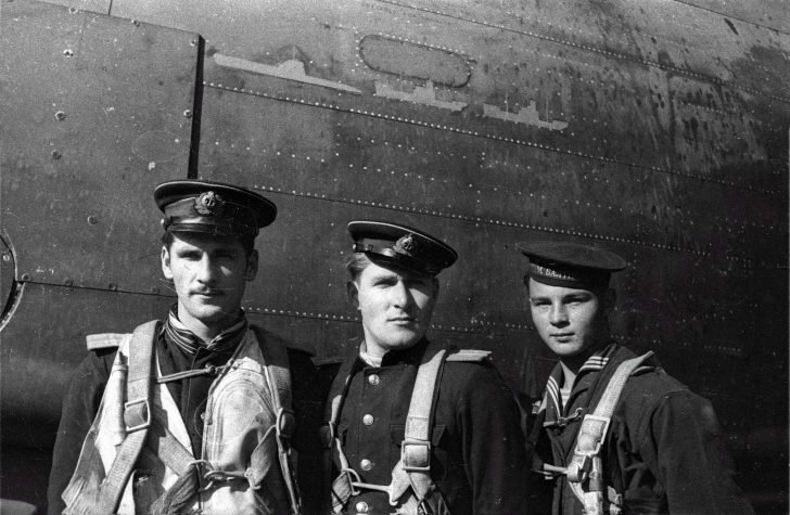 "Crew of torpedo carrier A-20 ""Boston"""