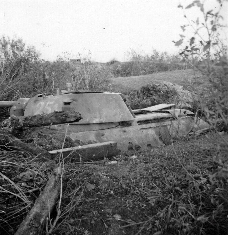 abandoned T-34-76