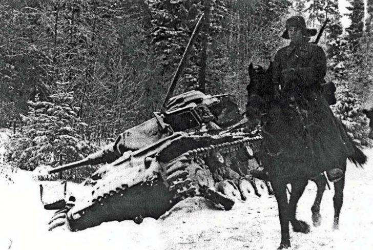 Soviet cavalryman, Panzer III