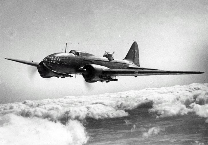 bomber Il-4