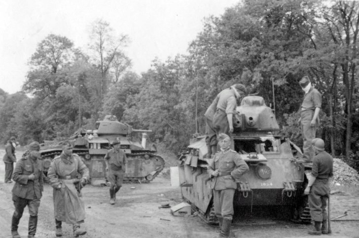 Captive French tankmen