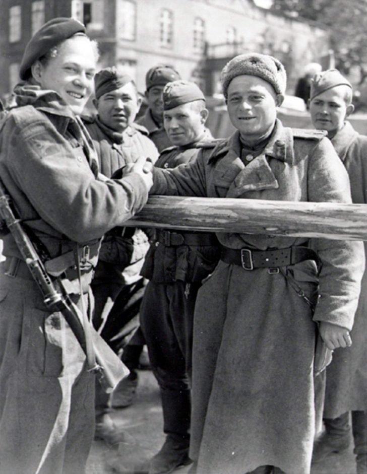 Soviet infantrymen, Canadian paratrooper