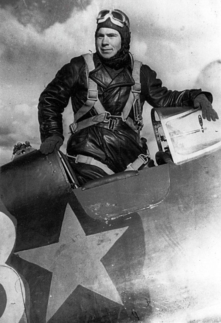 pilot Pyotr Kharitonov