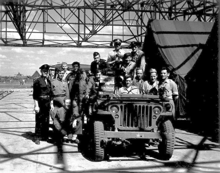 Soviet and American servicemen