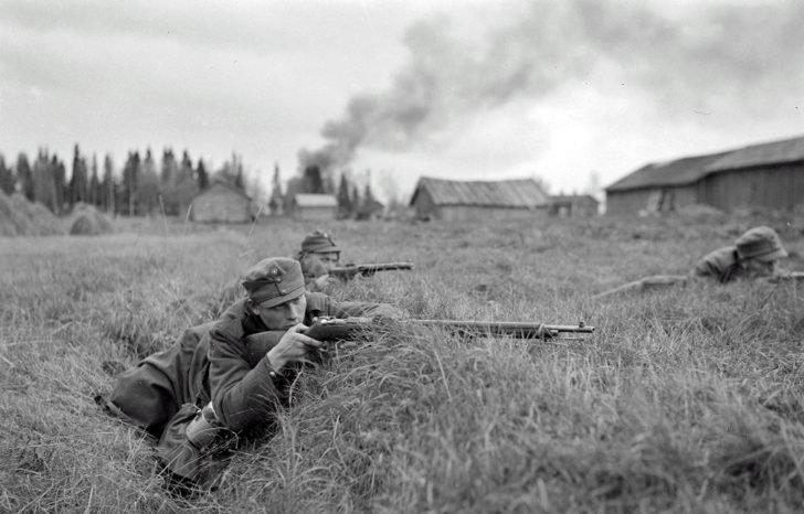 Finnish infantrymen