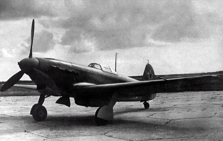 Yak-9DD fighter