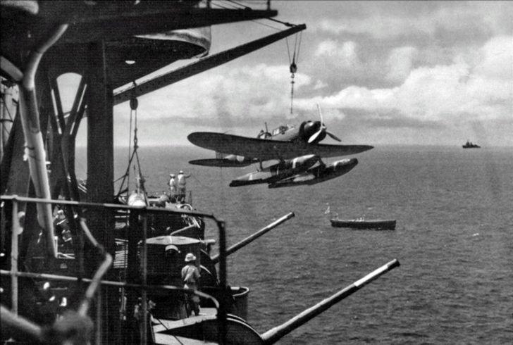 seaplane Aichi E13A