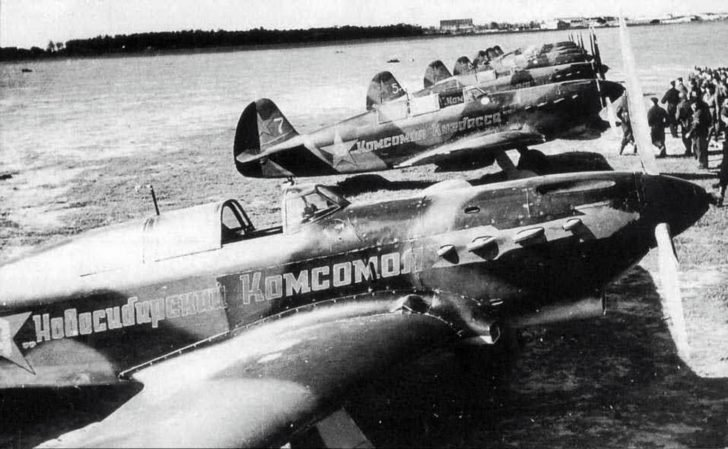 Yak-7 fighters
