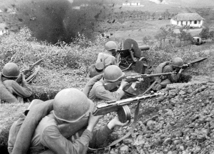 Soviet infantrymen