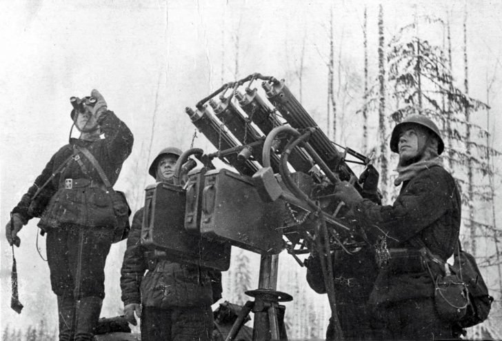 Four-barreled anti-aircraft machine gun Maxim is preparing to repel an air raid