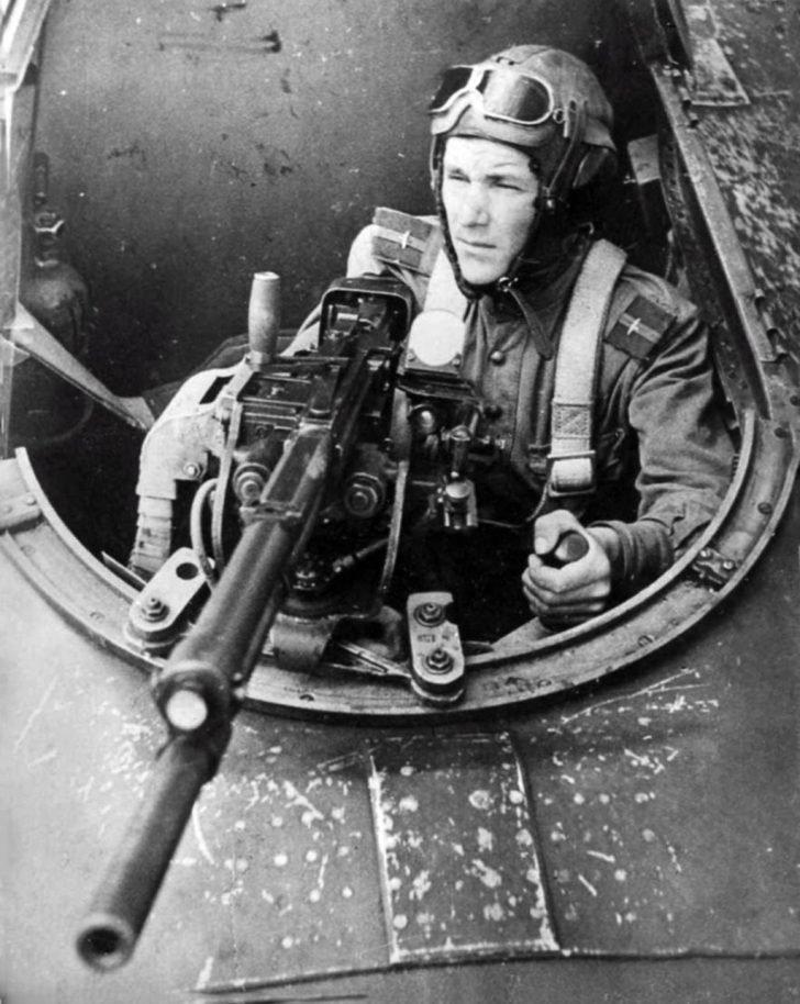 Air gunner sergeant P. Shulyakov