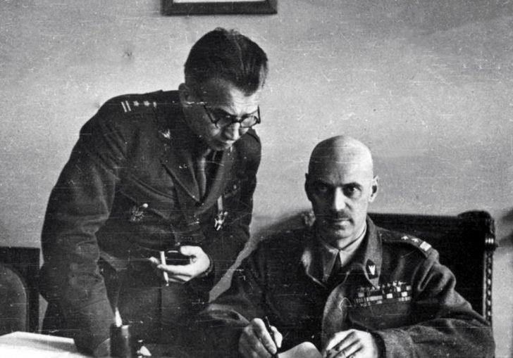 General Vladislav Anders and Colonel Leopold Okulicki