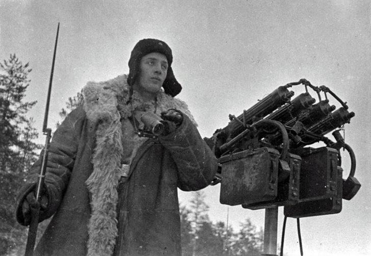 antiaircraft machine gun Maxim
