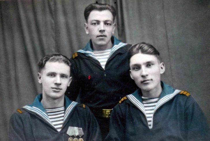 military sailors