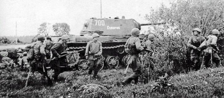 Soviet tank KV-1 Suvorov