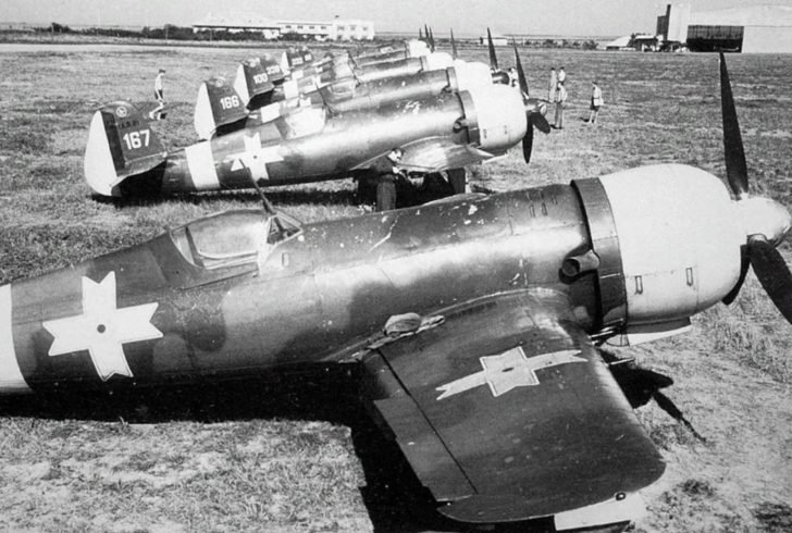 fighters IAR 80