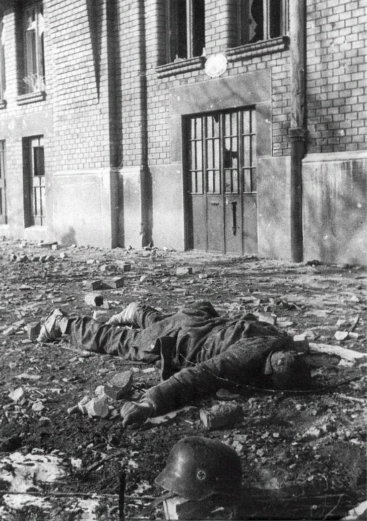 dead German soldier