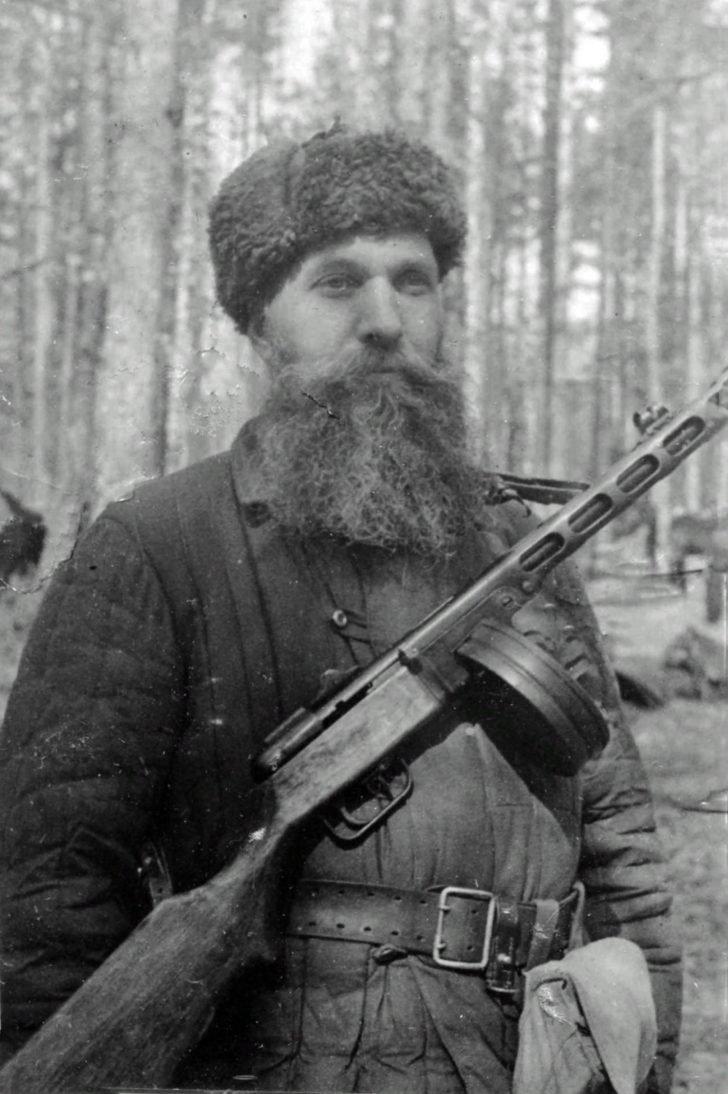 Partisan E. Barykin