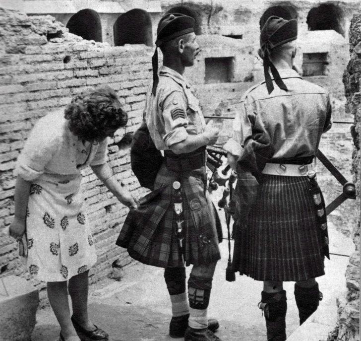 Italian woman, Scottish soldiers