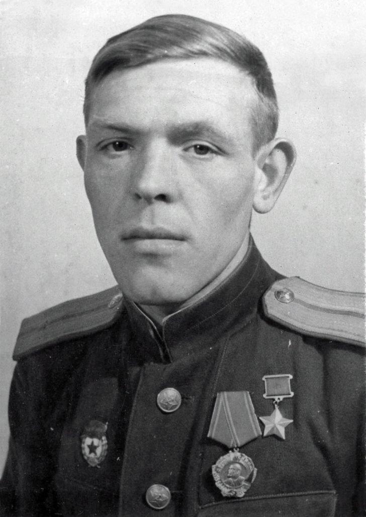 junior lieutenant Victor Gladilin